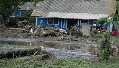 Case distruse de ploi la Florești. Imagini dureroase