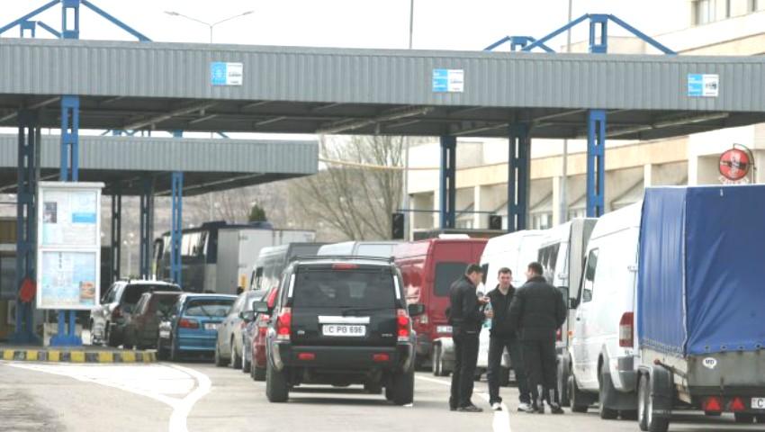 Foto: Modificări la punctele vamale. Unii șoferi își vor putea programa ora de trecere a frontierei, de pe telefonul mobil