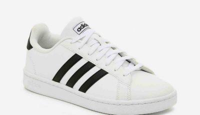 """Compania Adidas a pierdut marca pentru cele ,,trei dungi paralele"""""""