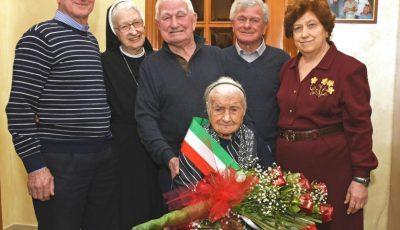 O bătrână din Italia a fost petrecută pe ultimul drum, la vârsta de 116 ani