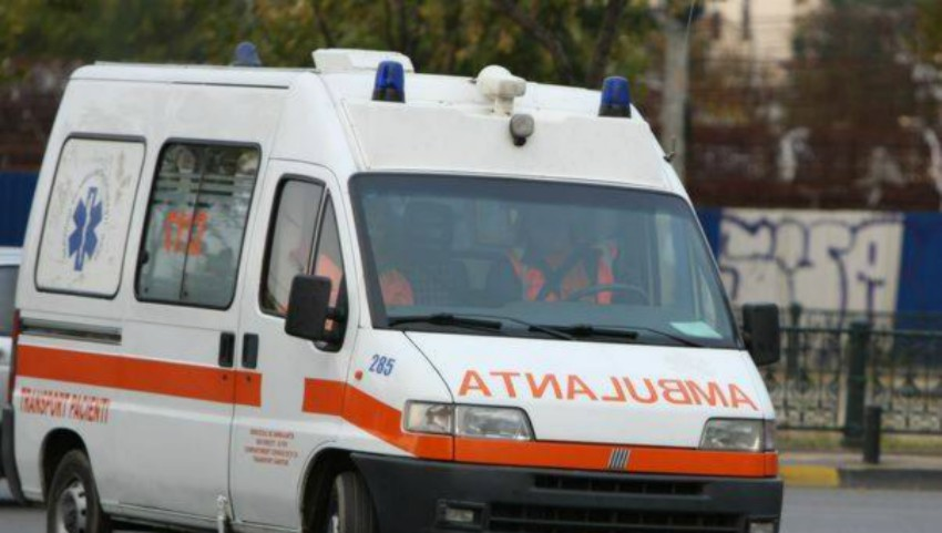 Foto: Peste 20 de oameni s-au intoxicat într-un local din raionul Orhei