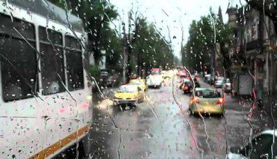 Astăzi, vor cădea ploi de scurtă durată cu descărcări electrice