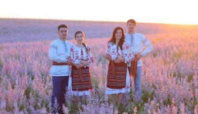 Locuitorii din Vadul-Rașcov și-au recreat straiele naționale. Un tribut impresionant pentru datinile strămoșești