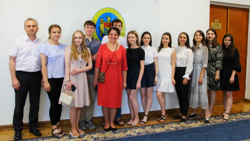 Foto: Ei sunt cei 11 tineri din țară care au luat 10 pe linie la examenele de Bacalaureat!