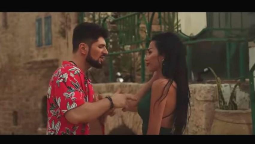 Foto: Vasile Macovei, alături de o brunetă sexy. Artistul a filmat videoclip în Israel!
