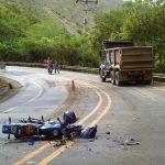 Foto: Operație pe inimă, pe marginea drumului. Un motociclist a fost salvat în mod miraculos!