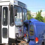 Foto: Accident grav în sectorul Botanica. Un troleibuz și alte trei mașini s-au ciocnit violent