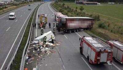 Accident teribil. Un șofer de TIR a făcut infarct la volan