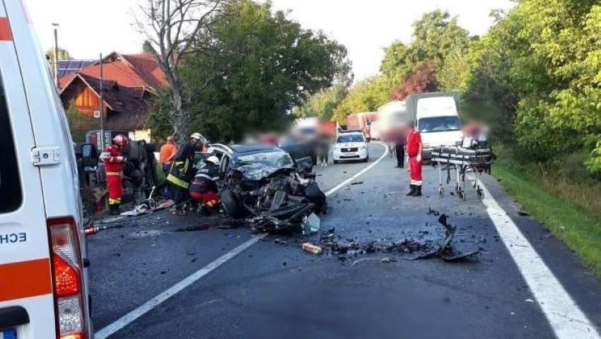 Foto: O familie de moldoveni a decedat în România, într-un teribil accident rutier. Imagini dramatice