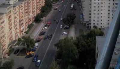 Un moldovean de 35 de ani a căzut în gol de la etajul unui bloc din Rusia