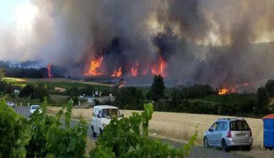 Incendii puternice în sudul Franței. Mii de turiști au fost evacuați din campinguri