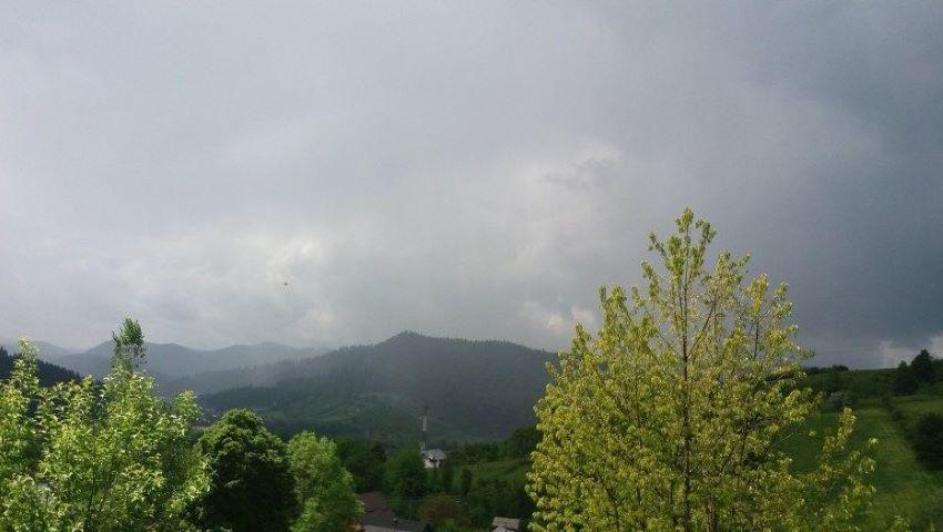 Foto: Alertă! Cod galben de vijelie și ploi cu descărcări electrice