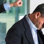 Foto: Un primar s-a deghizat în boschetar pentru a-i testa pe angajații săi