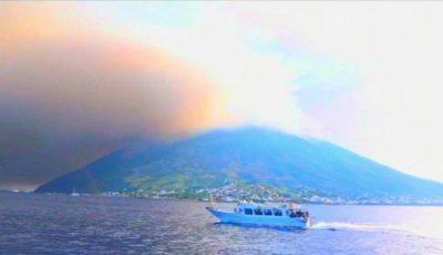 Video spectaculos! Momentul erupției vulcanului Stromboli, din Italia