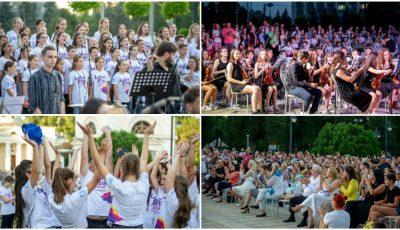 130 de copii cu voci divine au făcut magie la concertul extraordinar susținut în aer liber de La La Play Voices și Moldovan National Youth Orchestra!
