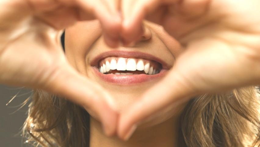 Foto: Zâmbet imaculat fără cabinetul stomatologului