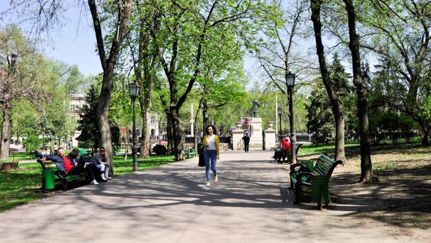 Foto: În sectorul Telecentru va apărea un scuar nou, amenajat pentru odihna și recreerea locuitorilor acestei zone a capitalei