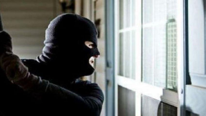 Foto: Poliția oferă detalii despre jaful bancar. Cum au pătruns hoții în imobil?