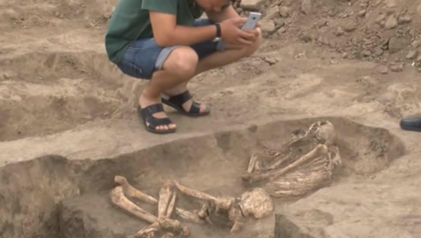 Foto: La Cimișlia au fost descoperite două morminte de peste 4.000 de ani. Foto