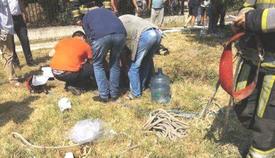 Doi bărbați din comuna Ciorescu au fost scoși de salvatori, dintr-o groapă adâncă de opt metri