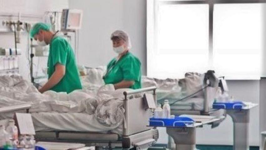 Foto: Un moldovean stabilit în Italia, internat în stare gravă la spital după ce a fost înțepat de o viespe