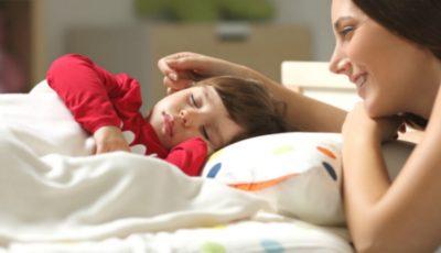 De ce cere micuțul apă când se culcă?