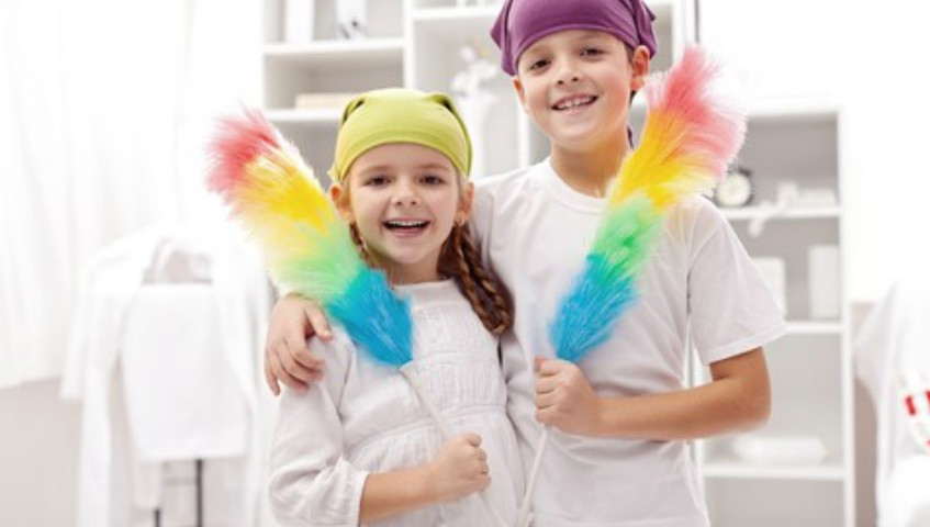 Foto: Copiii care ajută de mici la treburile casnice, vor fi oameni de succes ca adulţi, susțin cercetătorii