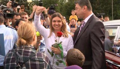 Simona Halep a fost cerută în căsătorie la sosirea pe aeroportul Otopeni!