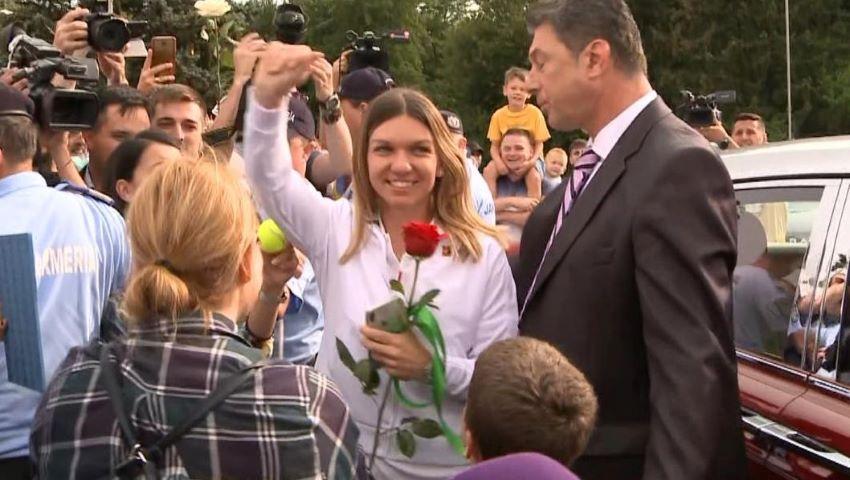 Foto: Simona Halep a fost cerută în căsătorie la sosirea pe aeroportul Otopeni!