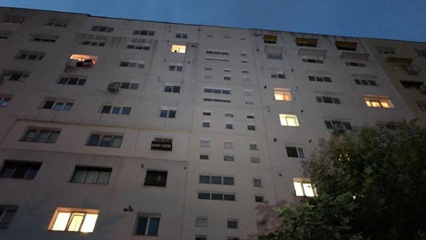 Foto: Sex la înălţime cu sfârşit tragic: au căzut de la etajul 9 în timp ce întreţineau relaţii intime la geam