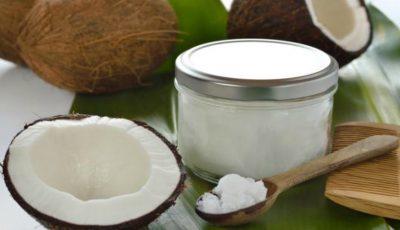 Uleiul de cocos în cosmetică: descoperă beneficiile pentru piele, ten și păr!