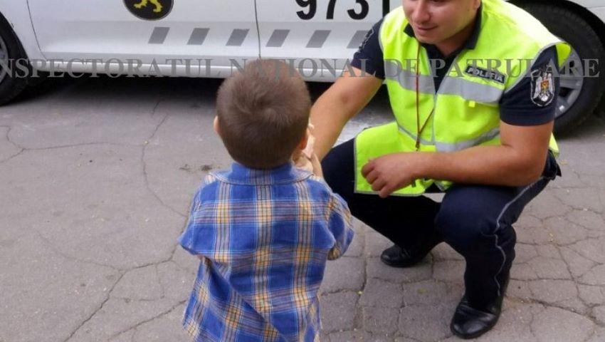 Foto: Un copil de 2 ani, din Capitală, a dispărut de la locul de joacă. Cinci echipaje de poliție l-au căutat