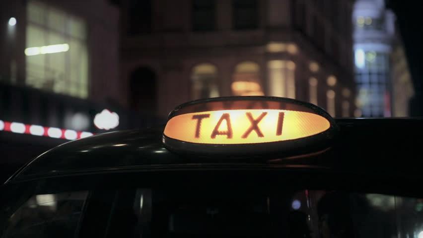 Foto: Clipe de coșmar. O tănără din Capitală, răpită de șoferul de taxi care a încercat să o violeze