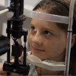 Foto: Probleme de vedere la copii. Semne că trebuie să mergi la medic