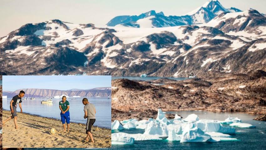 Foto: Temperaturile sunt atât de înalte în Groenlanda încât copiii se joacă la plajă