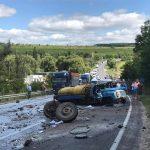Foto: Accident cumplit la Hâncești. Un camion a fost rupt în bucăți