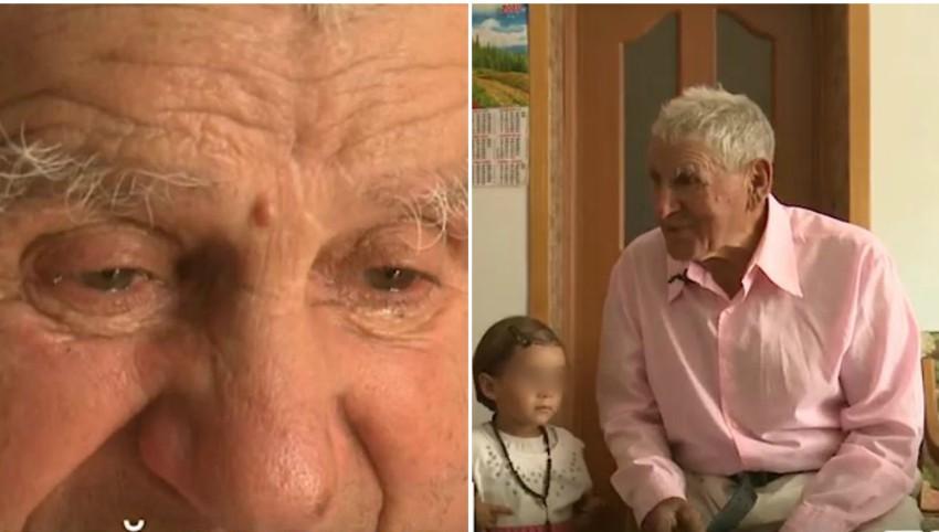 Foto: Un moldovean de 83 de ani își crește singur fiica în vârstă de 3 ani
