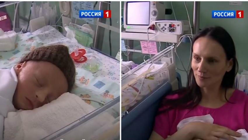 Foto: O femeie din Rusia a născut patru copii. Foto!