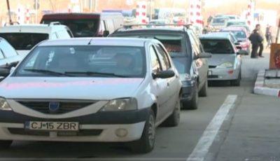 Un moldovean și-a lăsat copiii pe marginea carosabilului, la vama Sculeni