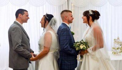 Un frate și o soră s-au căsătorit în aceeași zi. Foto