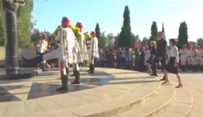 Incident la Complexul Memorial. Un tânăr militar a leșinat în timpul ceremoniei de depunere de flori
