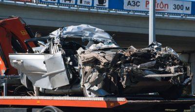 O mașină cu cetățeni moldoveni, distrusă complet în apropiere de Kiev. Șoferul s-a stins pe loc