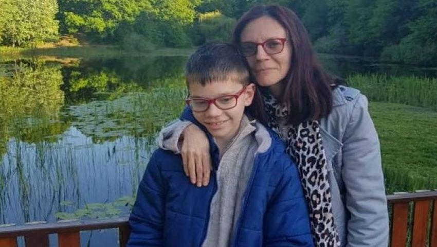Foto: Primul copil cu autism, care a publicat trei cărţi, are 11 ani și locuiește în Botoșani