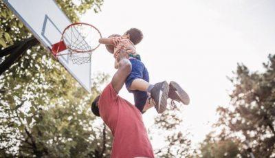 Ce a făcut un bărbat după ce a aflat că băiatul pe care l-a crescut 8 ani nu este fiul său?