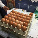 Foto: Ouă expirate, găsite azi în câteva grădinițe din Chișinău, în urma unui control inopinat