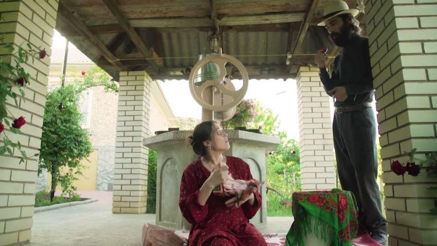 """Foto: ,,Enoriașă Ludmila, dar mașina când o sfințiți?"""". O nouă parodie de la Zâmbărele, despre părintele Ghena"""