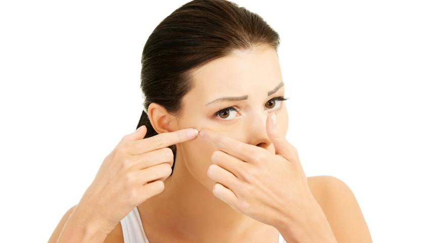 Foto: Un remediu rapid și eficient pentru tratamentul local al coșurilor și inflamațiilor