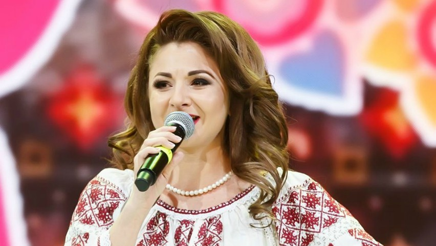 Foto: Interpreta de muzică populară Cristina Ceauș a născut un băiețel!