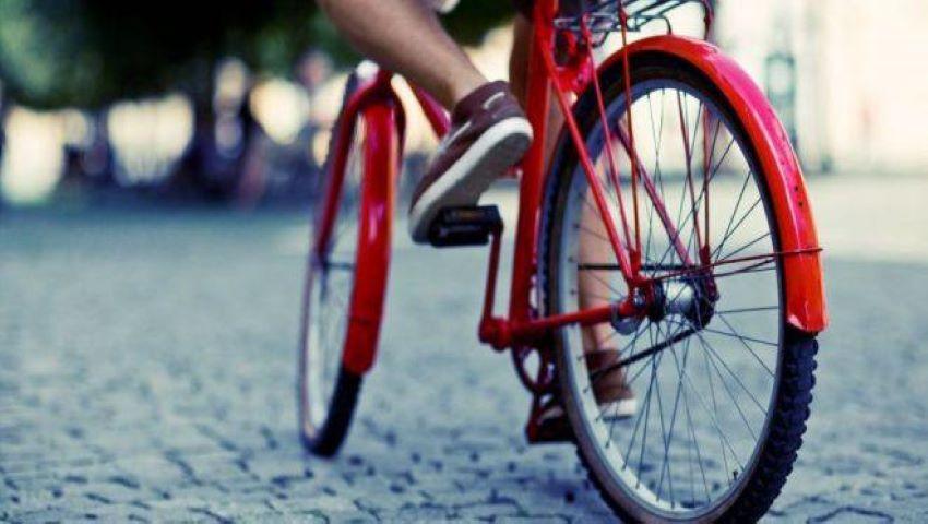Foto: După șoferi, nici bicicliștii nu vor avea să folosească telefonul în timp ce conduc