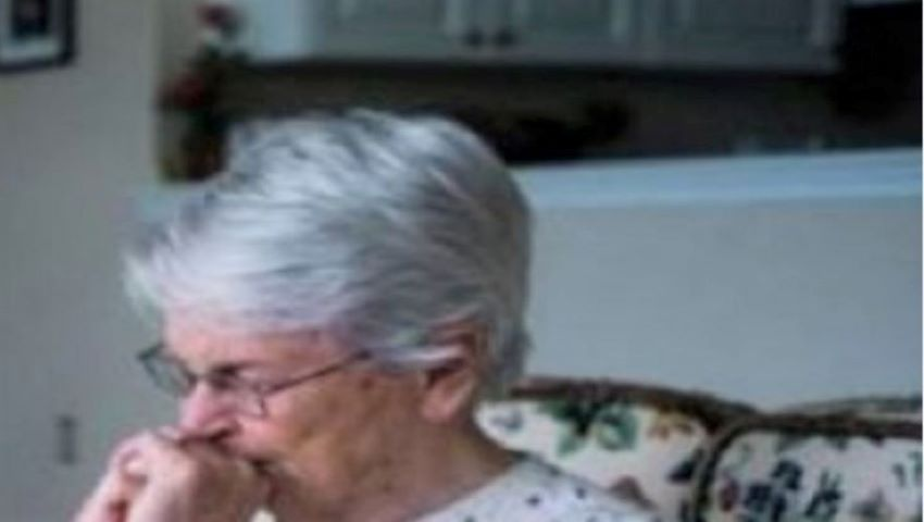 Foto: O femeie din Brăila încă îşi aşteaptă copilul dispărut în urmă cu 25 de ani